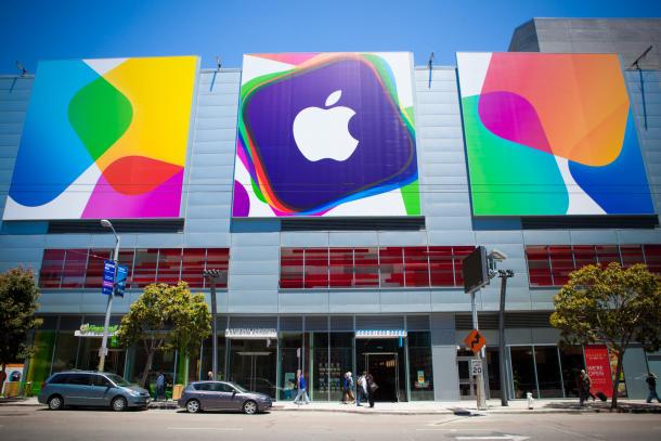 apple-wwdc-2013-setup-6396_610x407