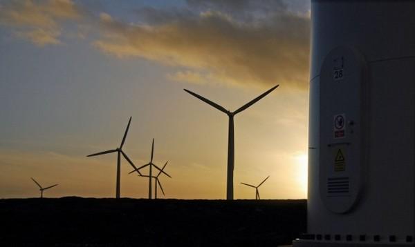 nighttime-windmills-20100510-600