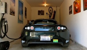 tesla-roadster-garage-jurvetson-flickr