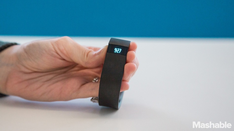 Fitbit Force Lights Up Your Wrist Like a Watch